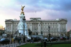 Букингемский дворец – резиденция монархов в Лондоне